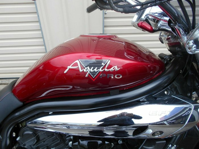 2013 Hyosung GV650C AQUILA CLASSIC Red