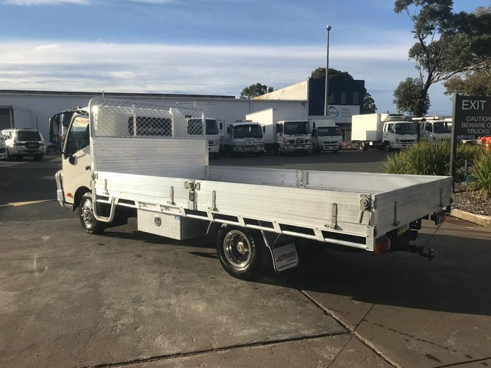 2013 Hino 616 - 300 Series 616 ALLOY TRAY WHITE