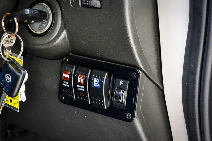 2011 Nissan Navara ST-X D40 4X4 Red