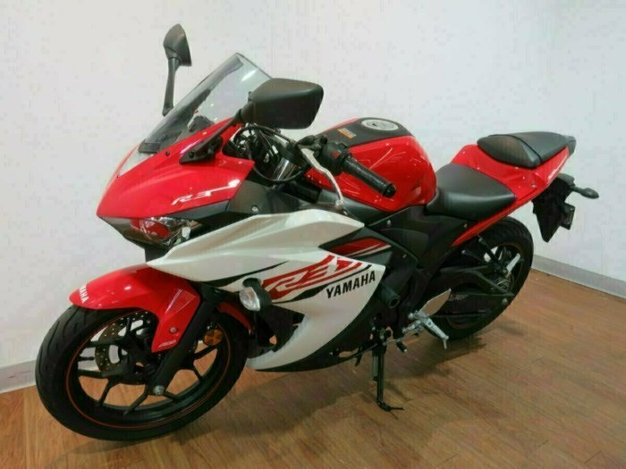 2015 Yamaha YZF-R3 ABS Red