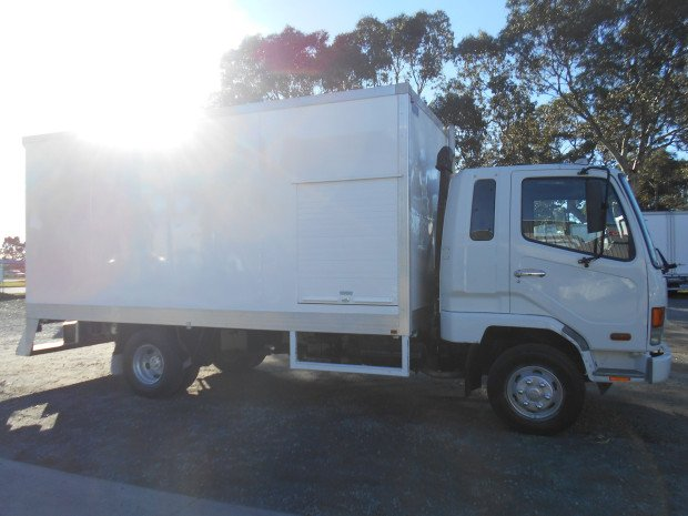 2006 Fuso FK 6.0 Fighter WHITE