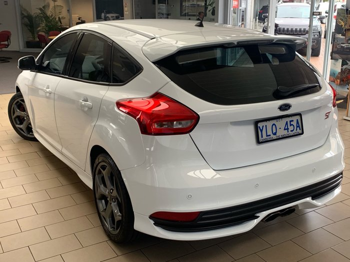 2017 Ford Focus ST LZ White