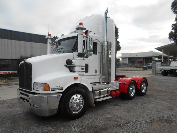 2010 Kenworth T402 WHITE