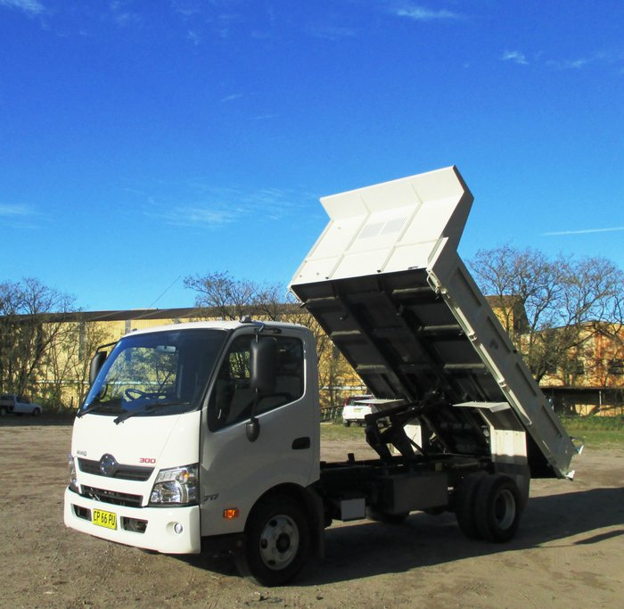 2017 Hino 717 - 300 Series 717 Factory Tipper