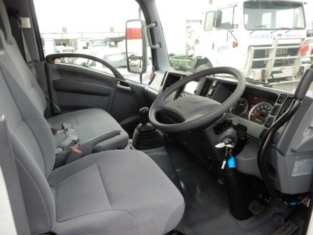 2019 Isuzu NLR 45-150 MANUAL TIPPER