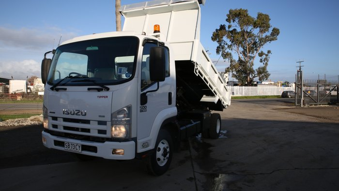 2009 Isuzu FRR500 TIPPER WHITE