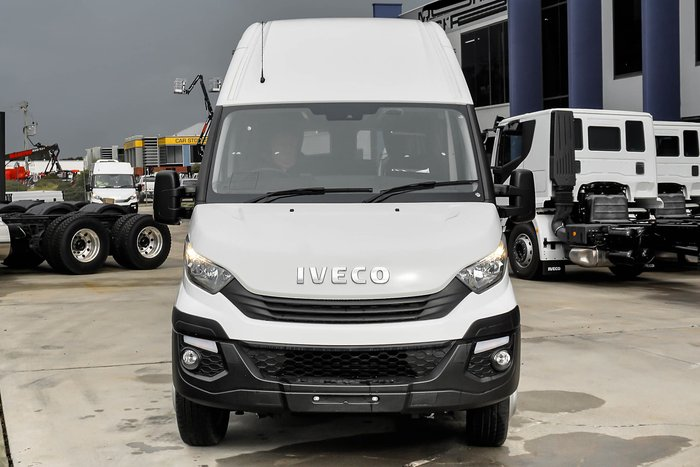 2019 Iveco Daily Minibus Executive 16 null White