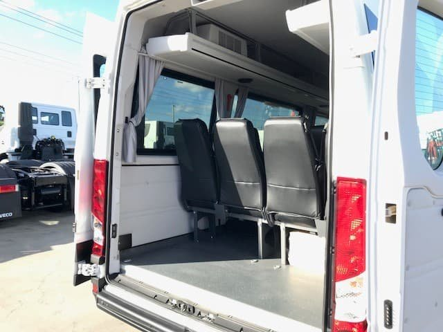 2018 Iveco Daily Minibus Shuttle 16 null White