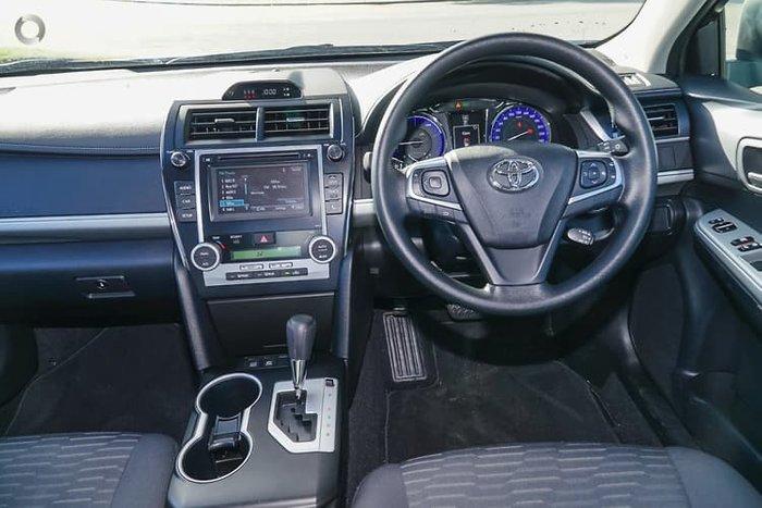 2017 Toyota Camry Altise AVV50R White
