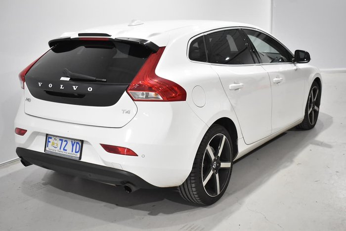 2015 Volvo V40 T4 Kinetic MY15 White