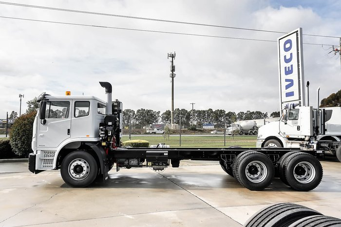 2019 IVECO ACCO 6X4 COMPACTOR null null White