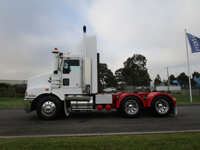 2010 Kenworth T402 NIL K'S ON ENGINE REBUILD WHITE