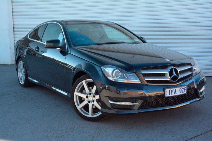 2015 Mercedes-Benz C180 Avantgarde C204 Black