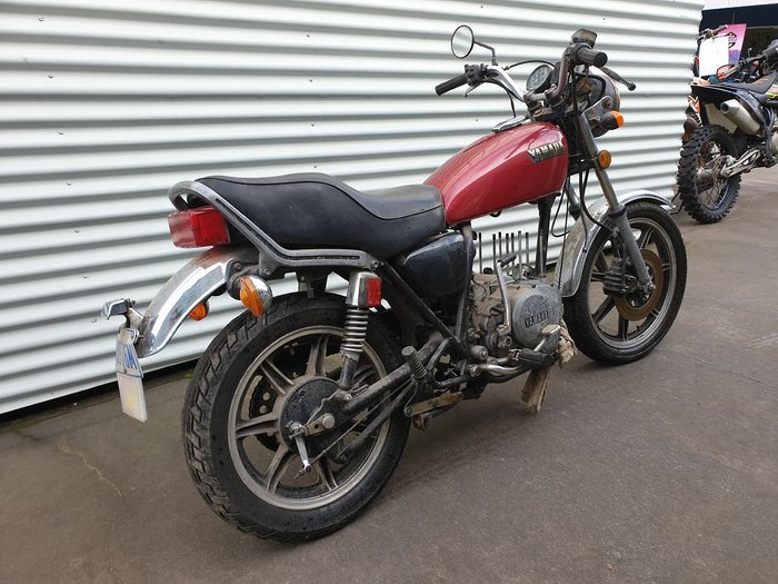 1981 YAMAHA XS250 null null Red