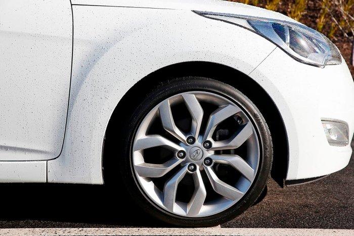 2014 Hyundai Veloster FS2 White