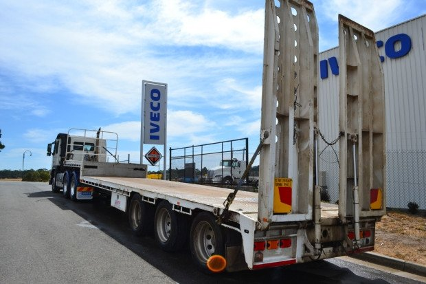 2016 ATM Semi 45ft Drop Deck with Ramps