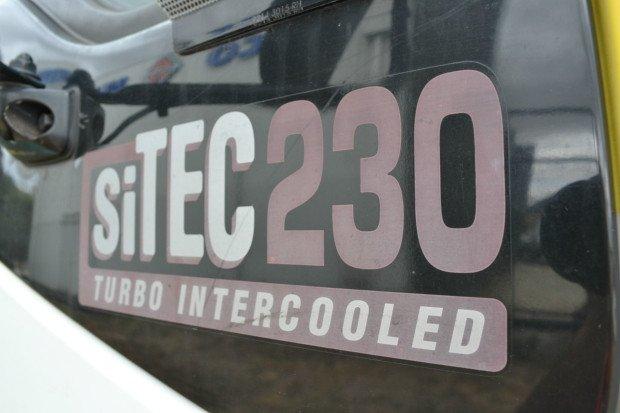 2000 Isuzu FVD950 12 Pallet Curtainsider