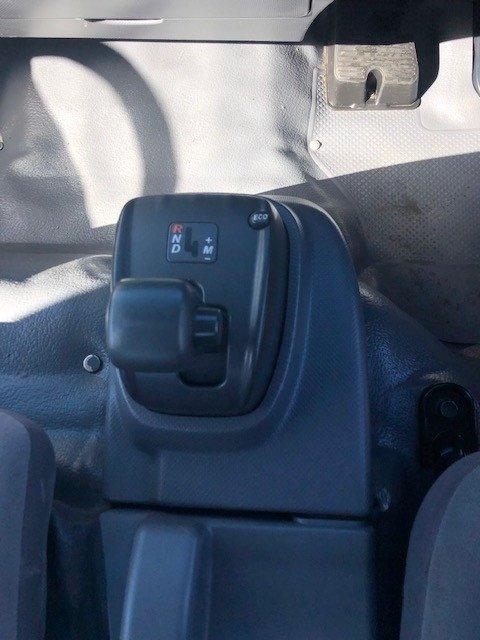2014 Isuzu NPR200 MEDIUM CAB CHASSIS WHITE
