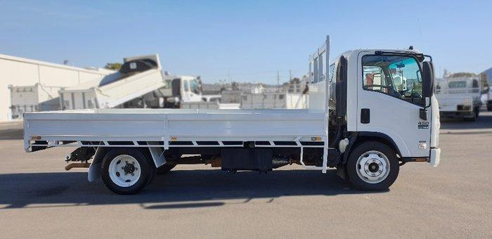 2011 Isuzu trucks N Series NQR NH White