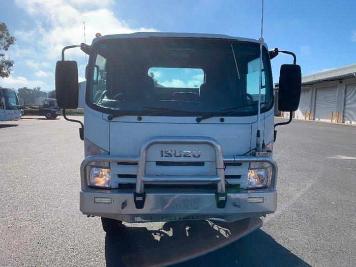 2014 Isuzu trucks N Series NPS NH White
