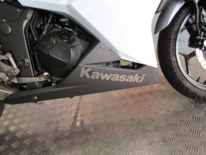 2014 Kawasaki NINJA 300 White