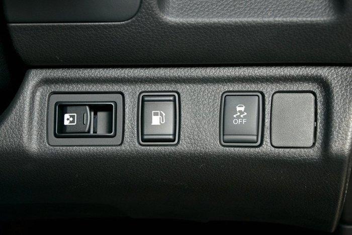 2019 Nissan Navara ST-X D23 Series 3 4X4 Dual Range WHITE DIAMOND