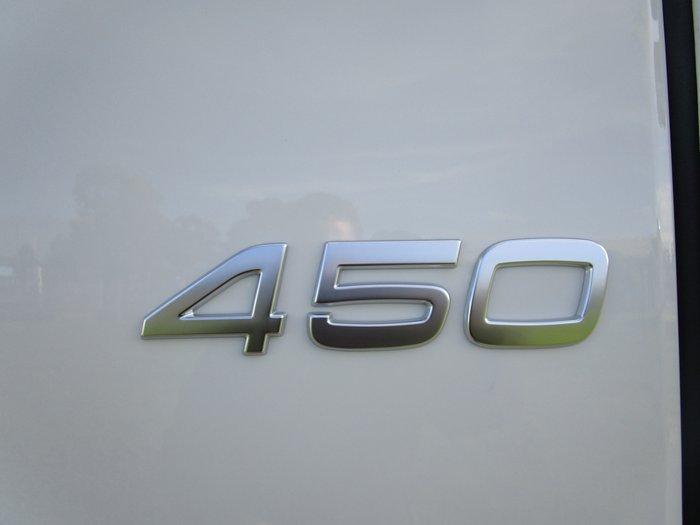 2013 Volvo FM450 PRIMEMOVER WHITE