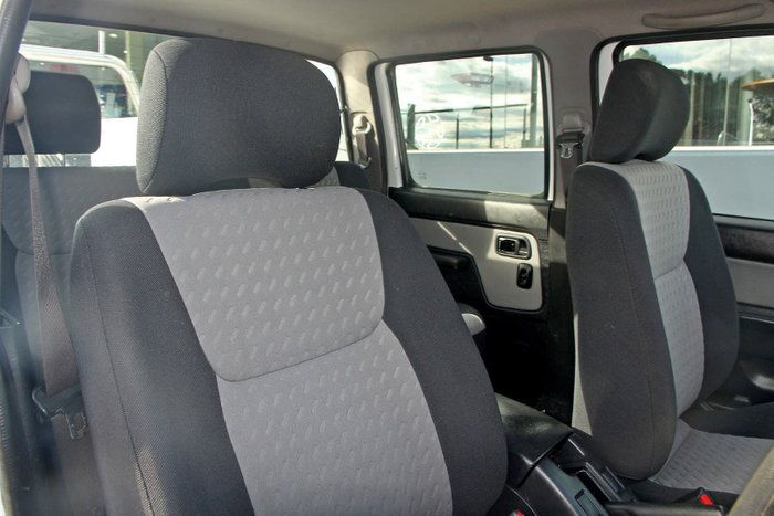 2013 Nissan Navara ST-R D22 S5 4X4 White
