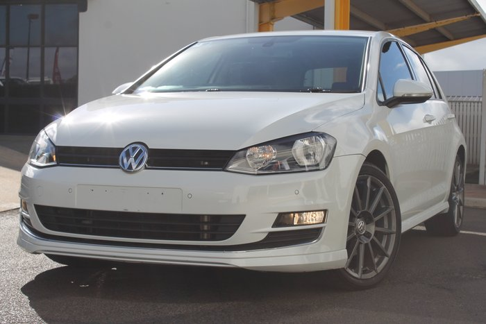 2013 Volkswagen Golf 110TDI Highline 7 white
