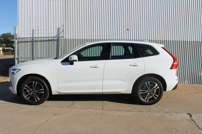 2019 Volvo XC60 D4 Momentum MY20 Four Wheel Drive Ice White Solid