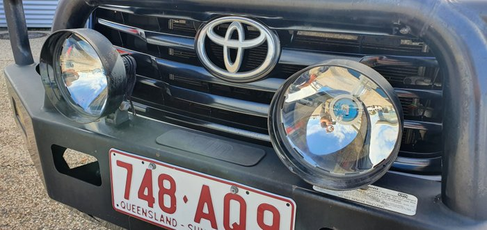 2015 TOYOTA HILUX TGN16R MY14 Workmate UTE M 5sp 2.7i BLACK