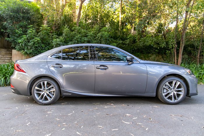 2018 Lexus IS IS300h Luxury AVE30R MERCURY