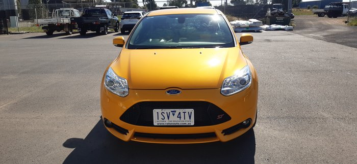 2012 Ford Focus ST LW MKII Tangerine scream