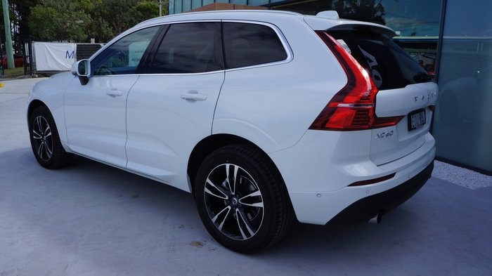 2021 Volvo Xc60 T5 Momentum 2.0L T/P 187kW 8AT Wagon MY21 4WD Crystal White