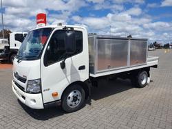 Hino 616 - 300 Series Auto Service Body