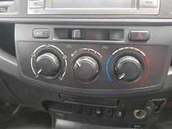 2014 Toyota Hilux SR KUN26R MY14 4X4 Dual Range White