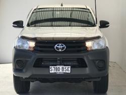 2017 Toyota Hilux Workmate GUN125R 4X4 Dual Range White