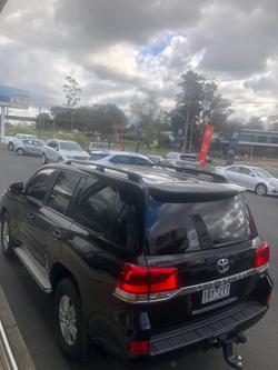 2015 Toyota Landcruiser GXL VDJ200R 4X4 Dual Range Black