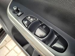 2018 Nissan Navara ST-X D23 Series 3 4X4 Dual Range Brilliant Silver