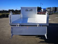 2021 Isuzu N SERIES NMR TRI TIPPER White