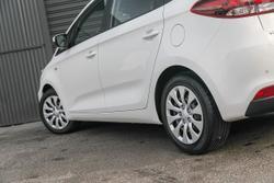 2017 Kia Rondo S RP MY18 White