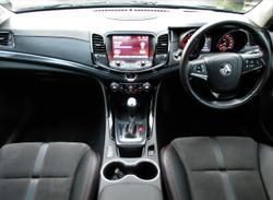 2016 Holden Commodore SV6 Black VF Series II MY16 Green