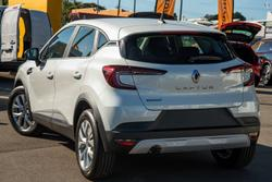 2021 Renault Captur Life JB Pearl White