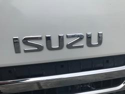 2015 ISUZU N SERIES WHITE
