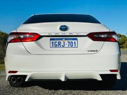 2018 Toyota Camry Ascent Sport AXVH71R WHITE