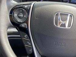 2016 Honda Odyssey VTi-L 5th Gen MY16 White