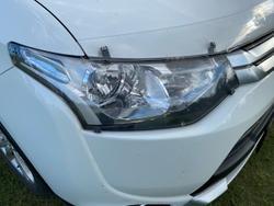 2014 Mitsubishi Outlander ES ZJ MY14.5 White