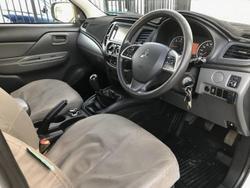 2016 Mitsubishi TRITON 2016 Mitsubishi MQ GLX+ Triton MAN MY17 DUAL CAB 4X4 White