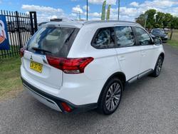 2019 Mitsubishi Outlander ES ZL MY19 White