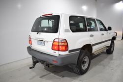 2000 Toyota Landcruiser GXL HZJ105R 4X4 Constant White